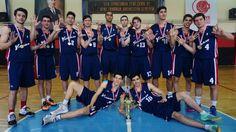 Yamanlar Koleji Liseler Basketbol'da 8 kez şampiyon olarak rekor kırdı