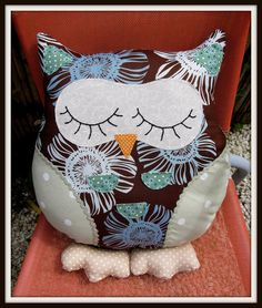 Snoozy Owl Cushion - Gilbert
