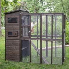 Your cats can smell the fresh air and connect with their wild roots in the Boomer and George Outdoor Alley Cat Home . Chicken Coop Plans, Building A Chicken Coop, Diy Chicken Coop, Cat Playground, Playground Design, Cats Outside, Outdoor Cat Enclosure, Cat Cages, Alley Cat