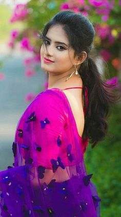 Caring For Your Skin With Easy Tips – Beauty Skin Care Products Beautiful Girl Photo, Beautiful Girl Indian, Most Beautiful Indian Actress, Beautiful Saree, Beautiful Women, Beauty Full Girl, Cute Beauty, Beauty Women, Beautiful Bollywood Actress