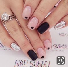 21 Outstanding Classy Nails Ideas For Your Ravishing Look Classy nails are definitely a must for every woman. But these days when the variety of nail designs is greater than ever it is getting harder with every second to pick just one. There are occasio Classy Nails, Fancy Nails, Love Nails, Trendy Nails, How To Do Nails, Glittery Nails, Nail Polish, Shellac Nails, Diy Nails