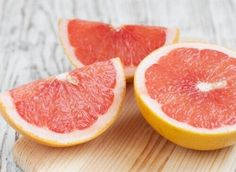 vitamin C - helps to prevent skin aging. Without vitamin C, your skin cannot produce collagen. Collagen is the protein that makes your skin firm and elastic. Grapefruit - of the RDA vitamin C of the RDA vitamin A🍊 : : : Liver Cleanse, Grapefruit Juice, Diet Plan Menu, Skin Firming, Fat Burning, Smoothie, Lose Weight, Healthy Recipes, Healthy Food