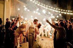 Mais fotos http://enfimnoivei.com/sparkles-casamento/