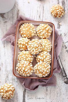 Doughnut, Biscuit, Cereal, Sweet Treats, Cookies, Breakfast, Cake, Dessert Ideas, Food Ideas