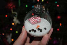 You'll just love this easy Melted Snowman DIY Christmas ornament idea!