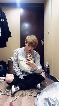 #menoprep #hairisgaeter Kim Jin, I Want Him, Fall For You, Squad, We Heart It, Entertaining, Kpop, Anime Cosplay, Ulzzang