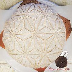 #breadscoring hashtag on Instagram • Photos and Videos Artisan Bread Recipes, Sourdough Recipes, Sourdough Bread, Yeast Bread, Bread Art, Bread And Pastries, Bread Baking, Sweet Bread, Geometric Star