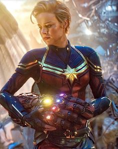 ✵ For those who did not know the suit that Brie Larson used in Avengers Endgame is completely created by CGI since she uses its original… Marvel Dc Comics, Marvel Avengers, Marvel Women, Marvel Films, Marvel Characters, Thanos Marvel, Avengers Movies, Carol Danvers Captain Marvel, Marvel Wallpapers