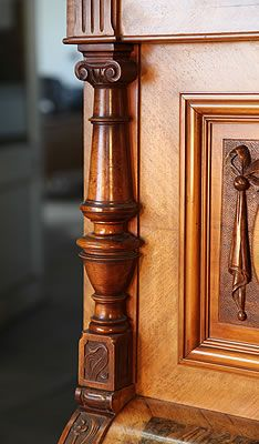 An art cased, Tredt upright piano with a walnut case. Cabinet features ornately carved pilasters and panels with swags Wooden Columns, Wooden Doors, European Furniture, Antique Furniture, Piano For Sale, Pillar Design, Upright Piano, Art Case, Wood Texture