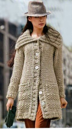 Tejidos - Knitted 2 - Hand knit Long Coat from Chunky Peruvian wool Knit Jacket, Wool Cardigan, Knitting Patterns Free, Hand Knitting, Pullover Outfit, Chunky Wool, Knitted Coat, Coat Patterns, Knit Fashion