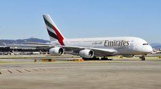 Emirates realiza a partir de hoy sus dos vuelos diarios en Barcelona con el A380