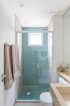 Bathroom Tub: The Complete Guide to Choosing Your Bathroom - Home Fashion Trend Tiny Bathrooms, Yellow Bathrooms, Beautiful Bathrooms, Small Bathroom, Interior Minimalista, Small Apartment Interior, Bathroom Interior, Ideas Baños, Mini Bad