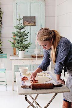 """Sur le site de Dreamy Whites , j'aime les différentes photos sur le thème de Noël, mettant en scène   les produits """"vintage français"""" ... ..."""