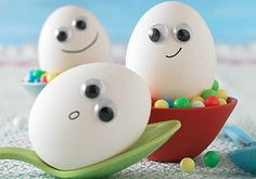 These look fun ;) Googly Eye Easter Eggs!