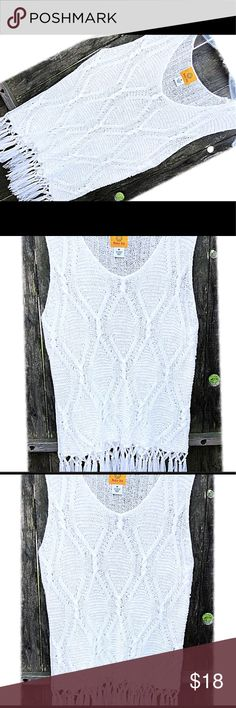 Sleeveless Knit Top With Fringe NWOT sleeveless knit top with fringe by Ruby Rd. I bought this at Palais Royal and never had anything to wear it with, but ya just adorable 😊 Ruby Rd. Tops