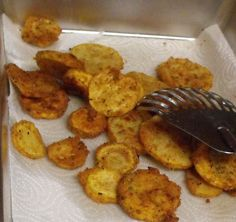 Secrets of a Southern Kitchen: Fried Squash. This will be great when my zucchini is ready in the garden!!