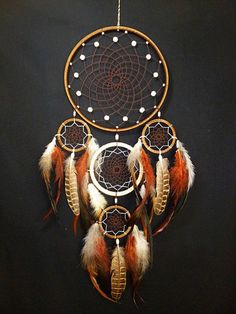 Dreams Catcher, Dream Catcher Art, Los Dreamcatchers, Diy And Crafts, Arts And Crafts, Beautiful Dream Catchers, Dream Catcher Native American, Native American Crafts, Creation Deco