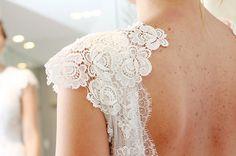 Renata Bimbatti veio de longe realizar seu sonho de vestir. A coleção Porter me proporciona lindos momentos como esse: vestidos que escolhem suas noivas… Caiu como uma luva… … encantou como se para ela eu tivesse costurado… … e sinceramente acho que foi isso mesmo. Eu só não sabia…  Um lindo encontro.