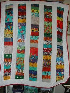 I Spy Quilt Ideas - Bing images Strip Quilts, Easy Quilts, Scrappy Quilt Patterns, Sewing Projects, Projects To Try, I Spy Quilt, Quilting Designs, Quilting Ideas, Quilt As You Go
