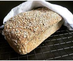 Etter at jeg knakk koden på glutenfritt brød har jeg bakt masse grove brød med stor andel korn og frø. Jeg har ikke kjøpt brød en eneste gang siden. Og jeg merker faktisk forskjell på kroppen og ov… A Food, Food And Drink, Gluten Free Diet, Low Fodmap, Bread Baking, Food For Thought, Lchf, Keto, Banana Bread
