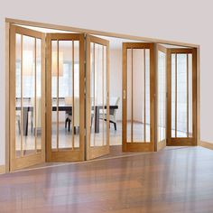 Freefold Oak Worcester Style Folding 6 Door Set with Clear Glass, Height 2090mm, Width 3726mm. #worcesterfoldingdoors #glazedfoldingdoors #'oakfoldingdoors