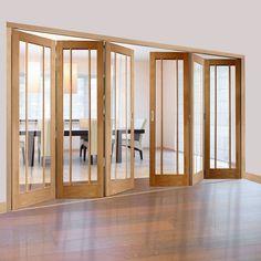 Freefold Oak Worcester Style Folding 6 Door Set with Clear Glass, Height 2090mm, Width 3726mm. #worcesterfoldingdoors #glazedfoldingdoors #'oakfoldingdoors