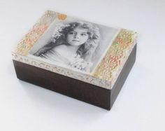 Caja madera decoupage caja pintada a mano caja por CarmenHandCrafts
