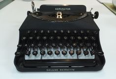 Vintage Typewriter - Remington Deluxe  Remette Dele 1940, Original Carrying Case, Antique Laptop, Old Portable Typewriter by Duckwells on Etsy