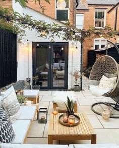 Country Patio, Cozy Living Spaces, Small Backyard Patio, Bank Holiday Weekend, Minimal Decor, Outdoor Living, Outdoor Decor, Outdoor Ideas, Outdoor Furniture