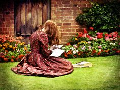 """""""I read for pleasure and that is the moment I learn the most.""""~Margaret Atwood"""