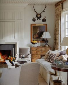 love the crown molding above the fireplace