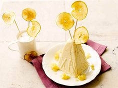 Omenapasha Easter Recipes, Snack Recipes, Snacks, Easter Food, Camembert Cheese, Chips, Dairy, Desserts, Spring
