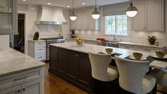 1600-x-900-L-Shaped-Kitchen-Design-Perfected-Hinsdale-IL-drury-design2