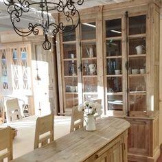 Uusi vitriinikaappi on 168 cm leveä. Kaappi on tehty vanhasta puusta. Decor, Furniture, Cabinet, Home Decor, China Cabinet, Storage