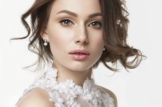 花嫁の髪型 一生に一度の結婚式で輝くための参考画像60選