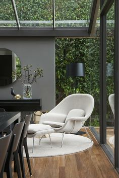 Absolutely love floor to ceiling windows, especially when there is a view of lush greenery!  Gallery | Australian Interior Design Awards