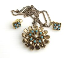 Vintage pendant necklace and clip on earrings, gold metal setting with turquoise and pearl beads, highly decorative, mid century by CardCurios on Etsy Turquoise Beads, Gold Beads, Pearl Beads, Vintage Jewellery, Metal Chain, Clip On Earrings, Jewelry Sets, Pendant Necklace, Pearls