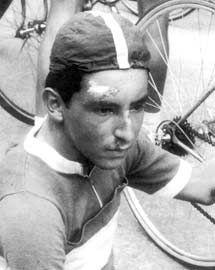 Rubén Darío Gómez el 'Tigrillo de Pereira' como Novato en el año en 1958. Ganador de 2 Vueltas a Colombia, 2 Clásicos RCN, la Vuelta a Guatemala y la Vuelta al Valle. Figura en carreteras de México y Campeón Boliviariano.