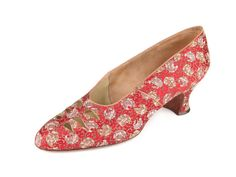 Shoe-Icons / Shoes / Ladies' pumps with red brocade upper with roses and waisted heels.