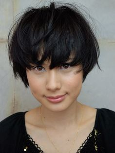 front view of a hair cut I repinned earlier This is so lovely and chic.