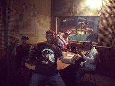 Activos en el programa radial @interactiondjs  por la mejor emisora de toda san sebastian de los reyes @caramacatestereo93.1fm .. Dale play!!  #radio #mix #dj #session #VenezuelaElectronica #venezuela #like #viernes