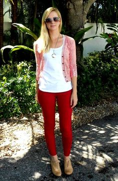 Do you dare to mix different shades of your team's color? She makes it work. #Gamedayoutfit