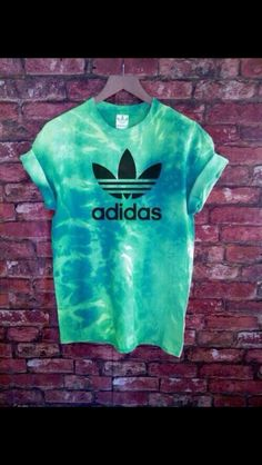 Authentic Unisex Adidas Originals Tie Dye Tee's (Various Colours) (Diy Ropa Hippie) Adidas Shirt, Adidas Jacket, Adidas Logo, Casual Outfits, Summer Outfits, Cute Outfits, Trend Fashion, Womens Fashion, Ibiza Fashion
