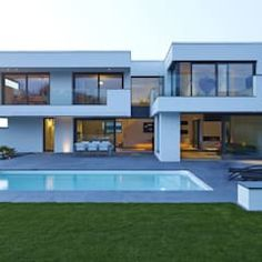 The 440 square metre Villa Belice, designed by Lee+Mir Architects, is located in peaceful surroundings, adjacent to a nature reserve. Villa Design, Modern House Design, Home Architecture Styles, House Architecture, Moderne Pools, Trendy Home, Exterior Design, House Plans, House Styles