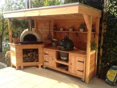 Outdoor-Küche und Pizzaofen - - Outdoor kitchen and pizza oven Outdoor-Küche und Pizzaofen