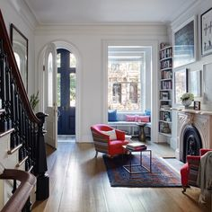 [CasaGiardino] ♛ Brooklyn brownstone remodel (from apartments to single family house) by architect Drew Lang Brooklyn Brownstone, New York Brownstone, Brooklyn House, Brownstone Interiors, Townhouse Interior, Brownstone Homes, London Townhouse, Home And Living, Home And Family