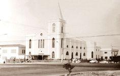 Localizada no Bairro da Cachoeirinha a igreja tem sua história iniciada na Rua 24 de Maio em 1931, com a chegada de clérigos agostinianos a Manaus. Fotografia tirada na década de 1980. Foto: Moacyr Andrade. Fonte: Manaus Sorriso.