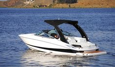 Choose a versatile and comfortable Cypress Cay pontoon boat for your family's lifestyle. New Pontoon Boats, Shrimp Boat, Sport Boats, Yacht Boat, Super Yachts, Jet Ski, Tall Ships, Wakeboarding, Big Game