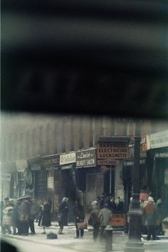 © Saul Leiter, a great eye for composition of the ordinary things in life…