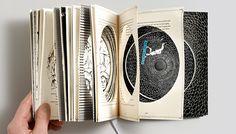 El diseño del último álbum de Chris Tarry, un talentoso músico de jazz, es una impresionante pieza de inspiración, ya que el empaque del cd es en sí un libro muy original en dos colores y con bellas ilustraciones en su interior. 'Rest of The Story' es el nombre de este proyecto, que cuenta con …
